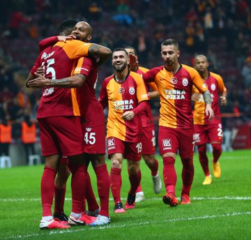 """Qalatasaray"" 1/4 finalda dayandı – video"